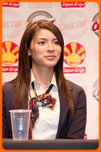 240px-AKB48_20090704_Japan_Expo_07