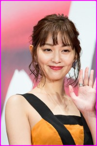 1200px-Ishibashi_Anna_from__Tremble_All_You_Want__at_Opening_Ceremony_of_the_Tokyo_International_Film_Festival_2017_(40170543442)